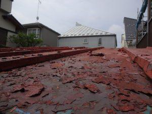 屋根のの剥離