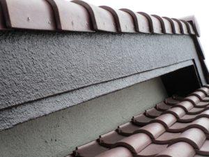 モルタル製の破風板