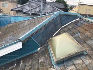雨漏りした屋根