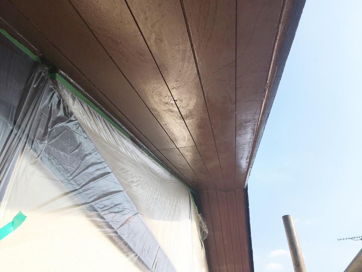 横浜市青葉区で軒天張替えと瓦補修を行いました