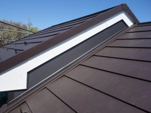 屋根の破風板金
