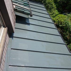 横浜市都筑区|瓦棒葺き屋根(トタン)塗装工事の施工事例