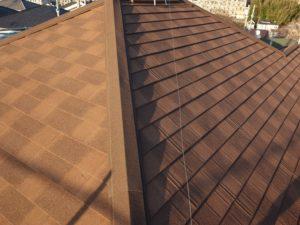 自然石粒付鋼板屋根