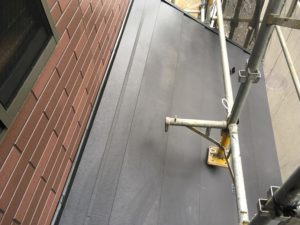 下屋根仕上がり