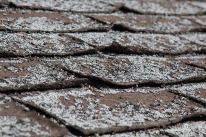 シングル屋根の剥離