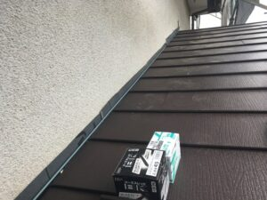 下屋根張り