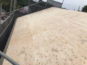 大屋根(ベニヤ張り)